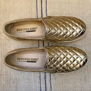 SKECHER Street Gold Quilted Slip-Ons